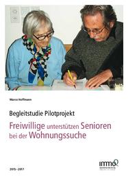 Freiwillige unterstützen Senioren bei der Wohnungssuche